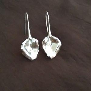 Stella & Dot Esmee Leaf earrings